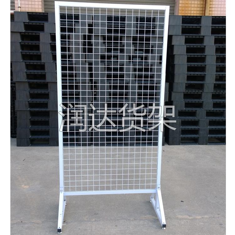 背网货架的设计一定要订做 不单产品要专业附属的背网货架也要专业