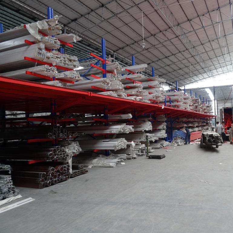 产品生动化陈列的货悬壁架理原则