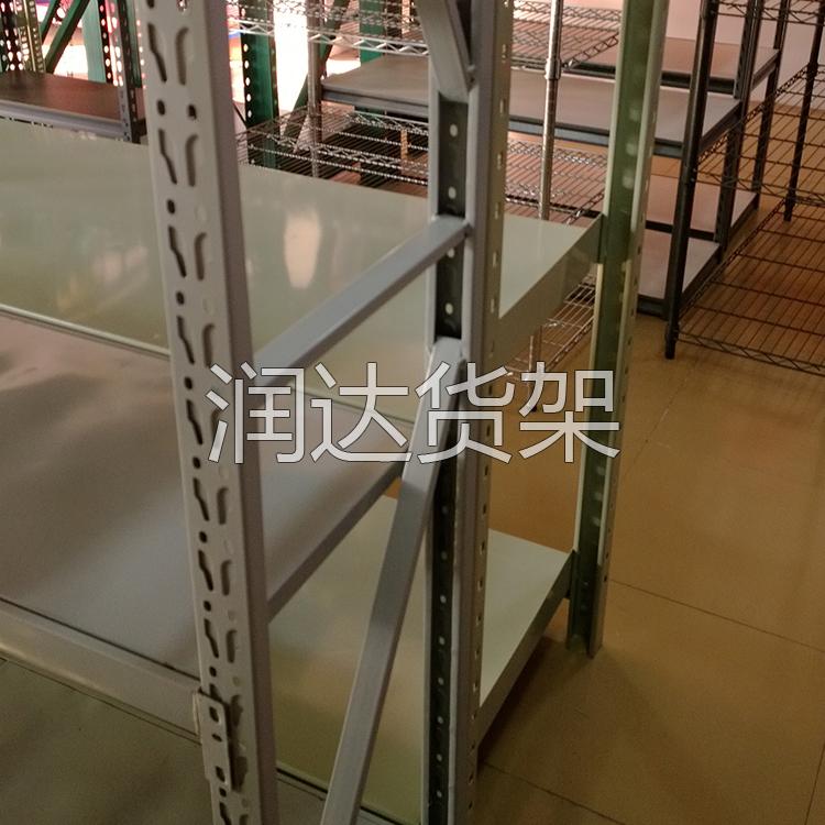 仓库鞋子货架铺木板,载重和优点