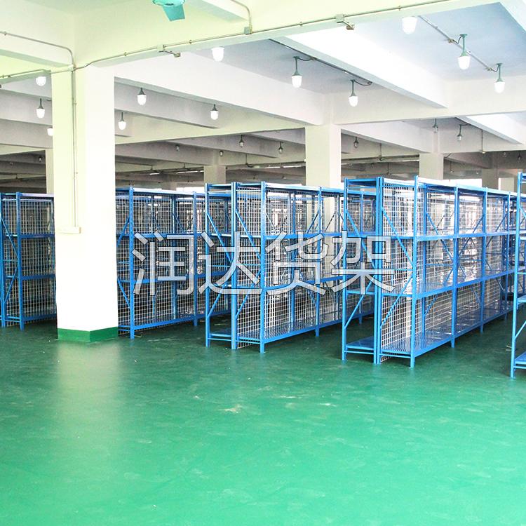 镀锌搁板货架在仓储货架中有什么特点?
