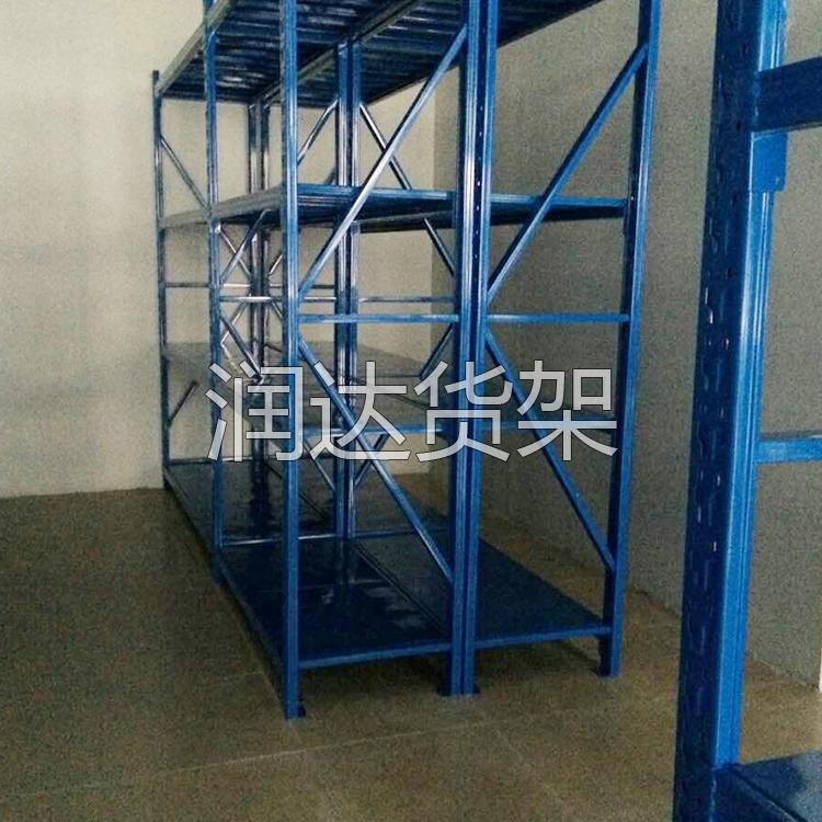 广州润达教您如何布置轻型货架