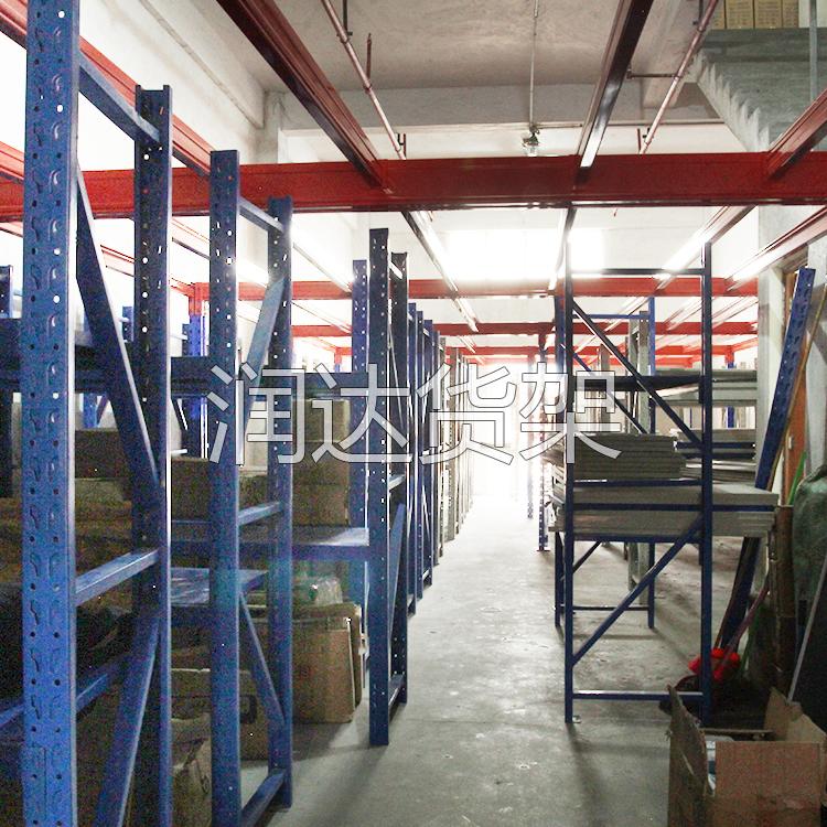 仓储货架是以货物、承重量来选择.