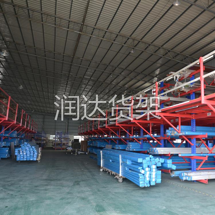 搁板式、重力式、货架式平台等仓库货架的比较