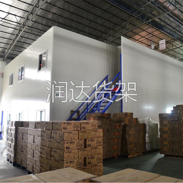 货架知识:解析阁楼楼梯的组成及使用分类2012-5-5
