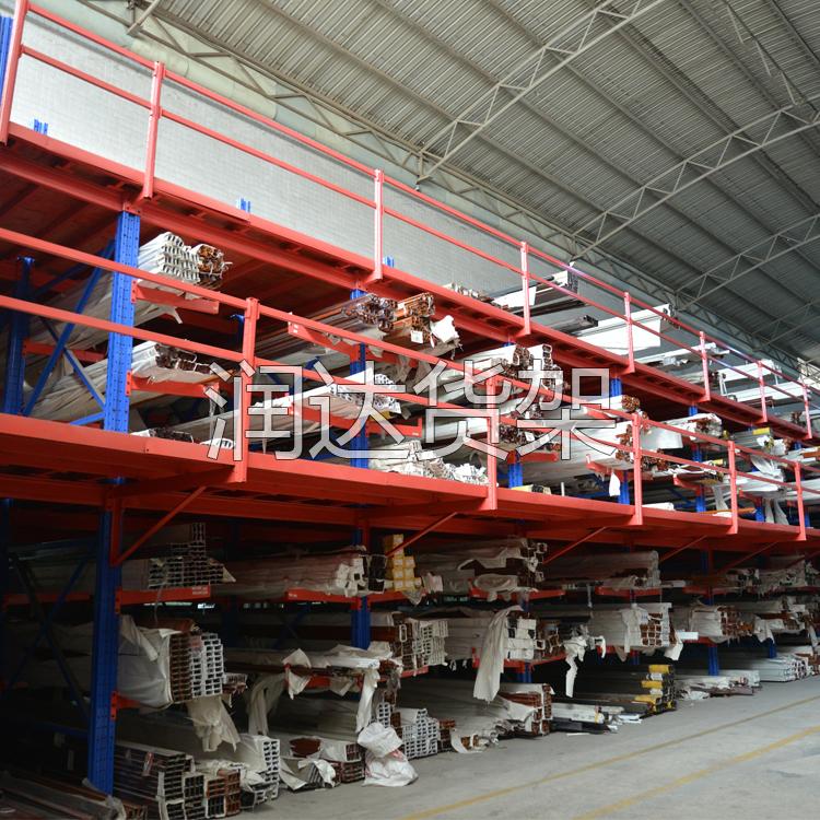 组合式货架使库房空间得到充分利用