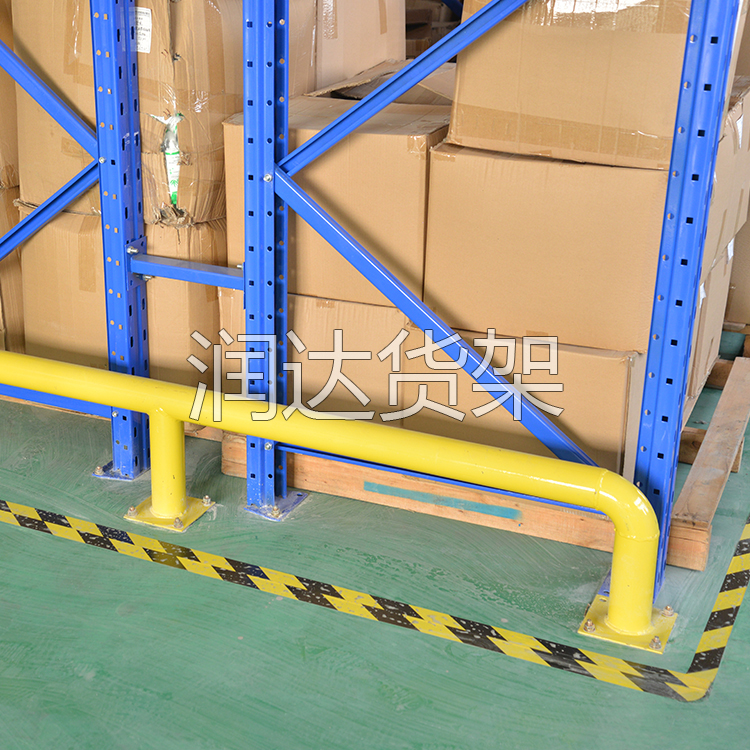 中型钢板和重型货架的特点?