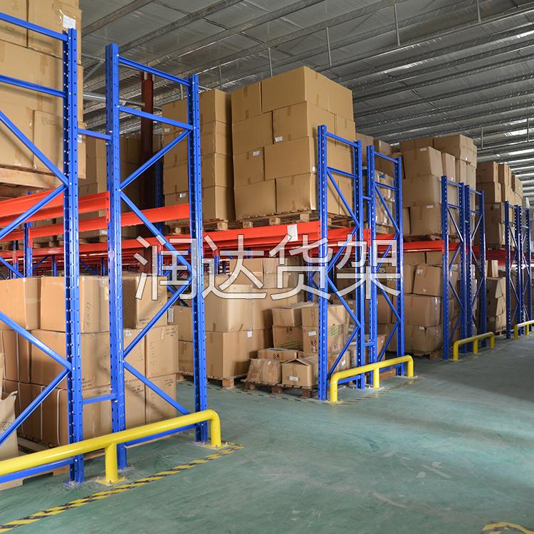 两层重型仓储货架施工完毕