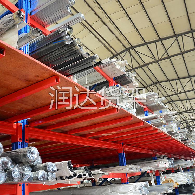诠释立柱式悬臂吊与驶入式货架应用结构