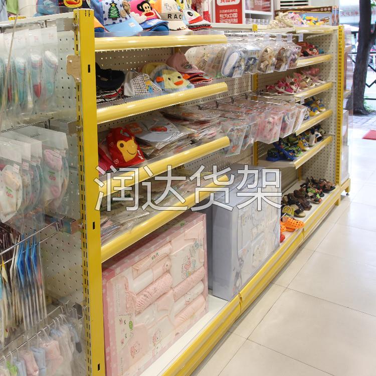 各种不同的超市用货架在商场的灵活运用